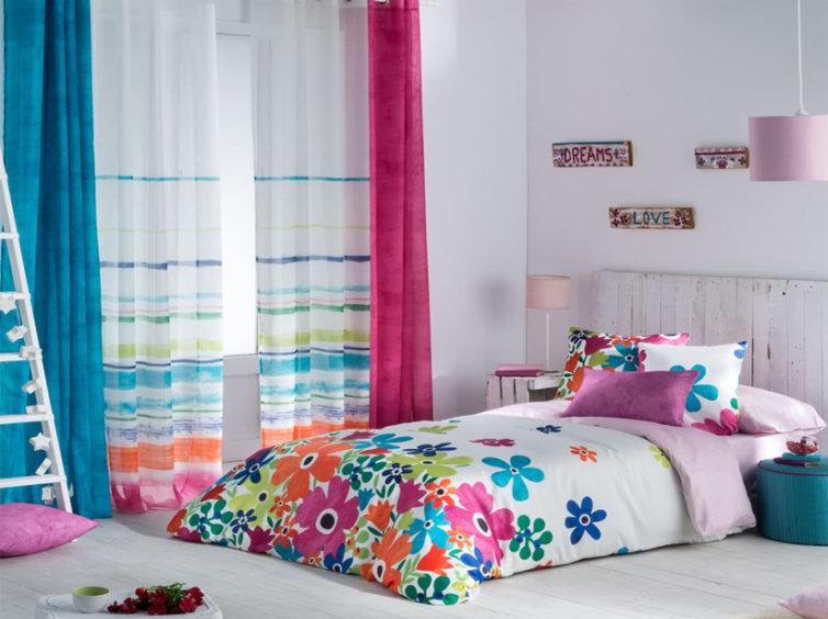 visillo y cortinas lisas en fucsia o turquesa