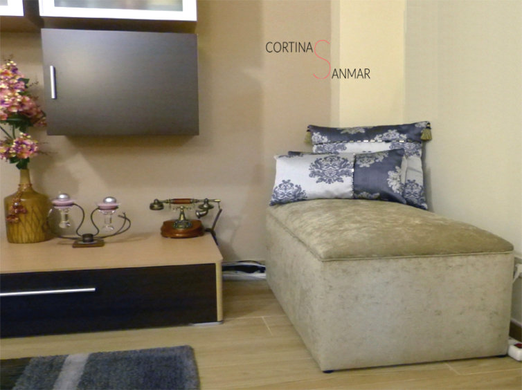 baúl tapizado con chenilla del fabricante Froca