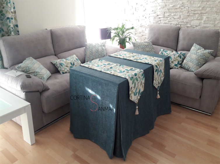 Mesa camilla con tejido de chenilla