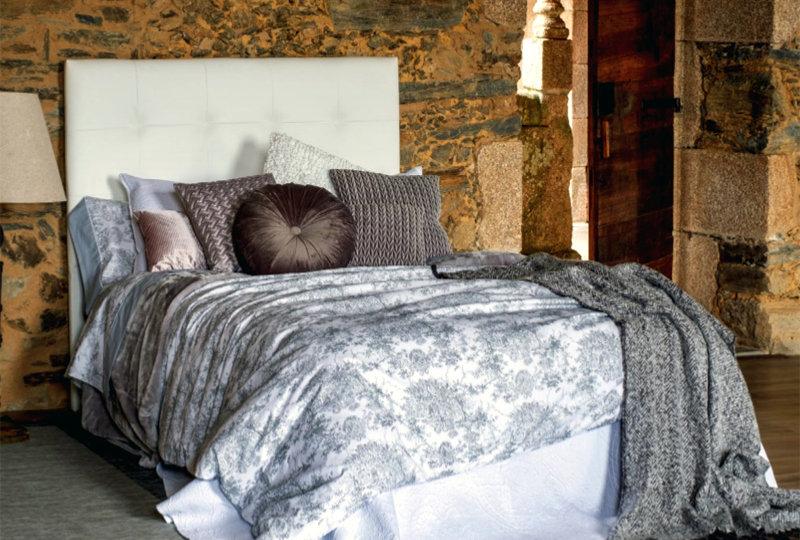 Cabecero tapizado para conseguir un dormitorio elegante