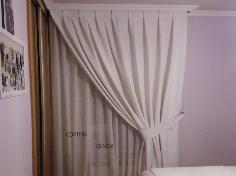 Visillo y cortina en color blanco