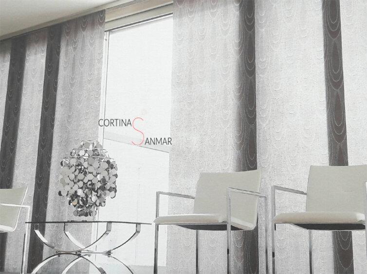 Panel japonés confeccionado con un textil semitransparente.